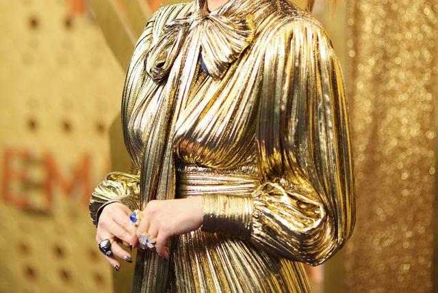 Zlatna haljina modne kuće Gucci koju je na 71. dodjeli Emmyja nosila Natasha Lyonee