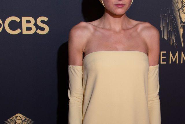 Emma Corrin na Emmyjima 2021. - 4