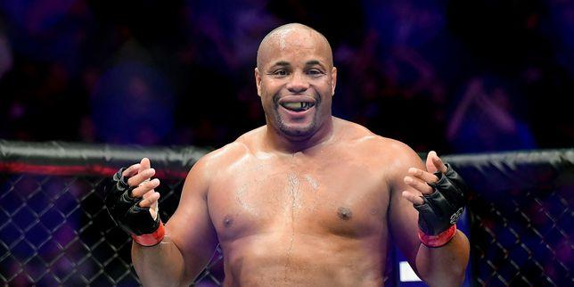 UFC večer za pamćenje: Potez koji je sve oduševio; Cormier ispisao povijest