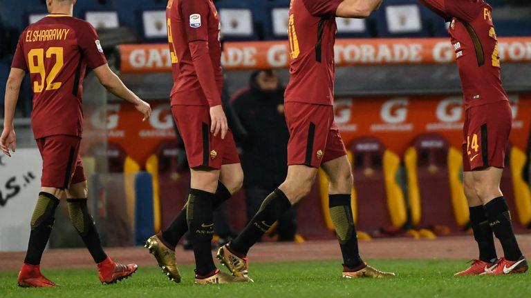 Federico Fazio slavio gol s igračima Rome