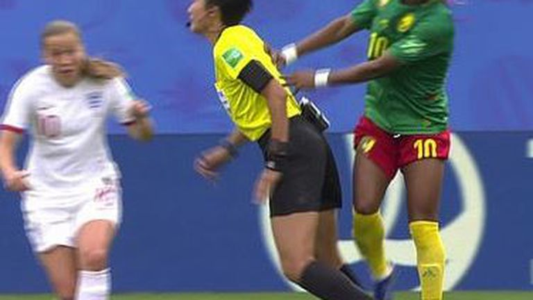 Skandal na utakmici Engleska - Kamerun