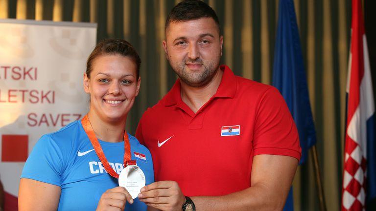 Sandra Perković i trener Elkasević