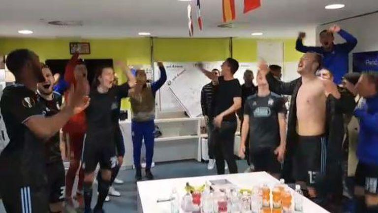 Slavlje Dinamovaca u svlačionici