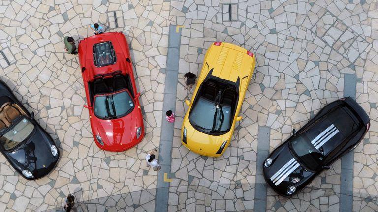 Ferrari i Lamborghini automobili