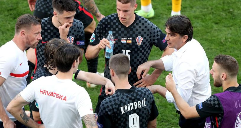 Zlatko Dalić s igračima hrvatske reprezentacije