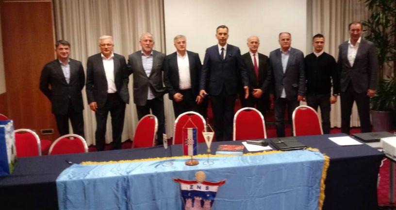 Tomislav Svetina sa suradnicima (Foto: GOL.hr)