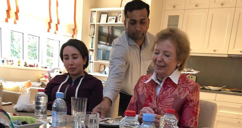 Latifa bint Mohammed al-Maktoum i Mary Robinson (Foto: AFP)