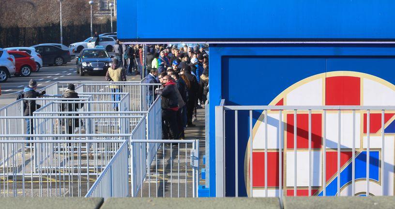 Prodaja ulaznica za Dinamo - Viktoria Plzen (Foto: Matija Habljak/PIXSELL)