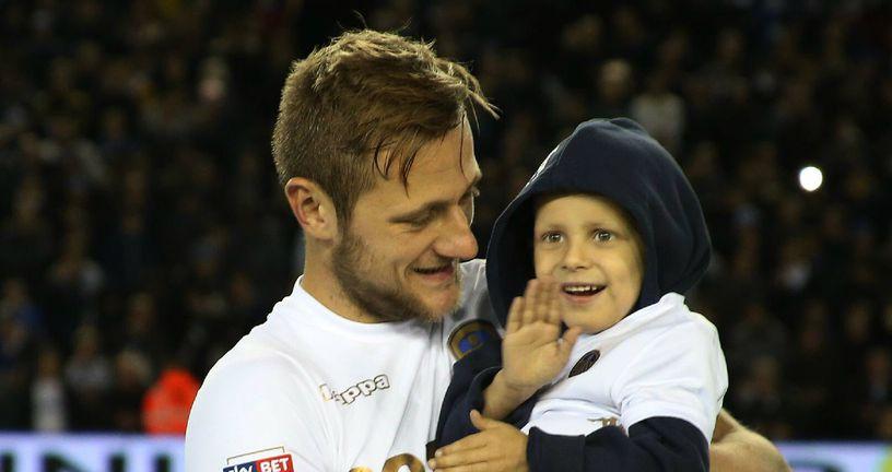 Petogodišnji Toby Nye (Foto: Twitter / Leeds United)