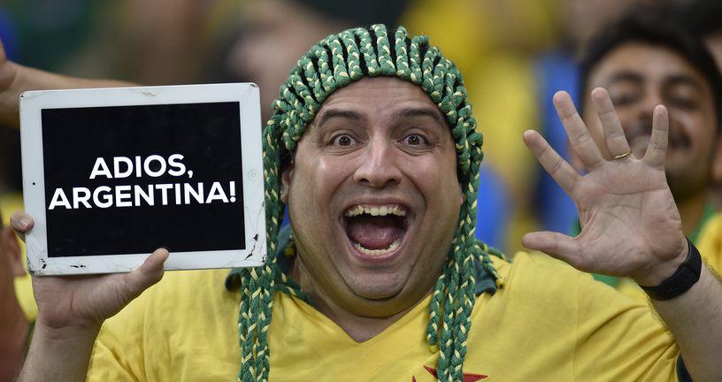 Brazilski navijač (Foto: AFP)