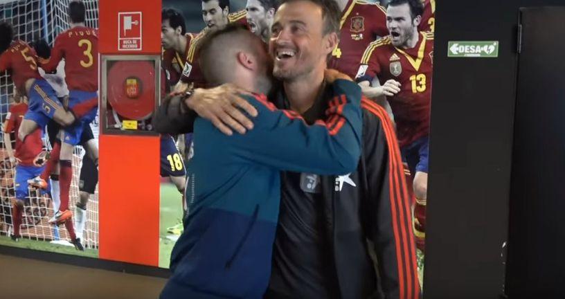Jordi Alba i Luis Enrique (Foto: YouTube/Screenshot)