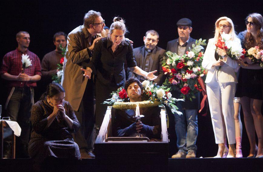Predstava 'Samoubojice' Satiričkog kazališta Kerempuh