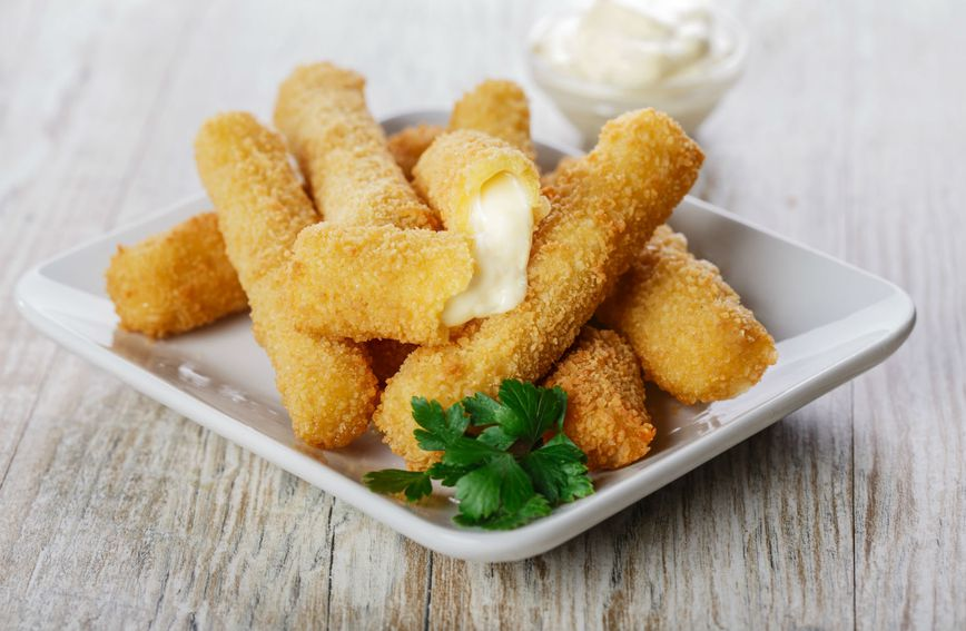 Prženi štapići s mozzarellom vrlo su ukusni, ali mogu se 'primiti' na trbuh