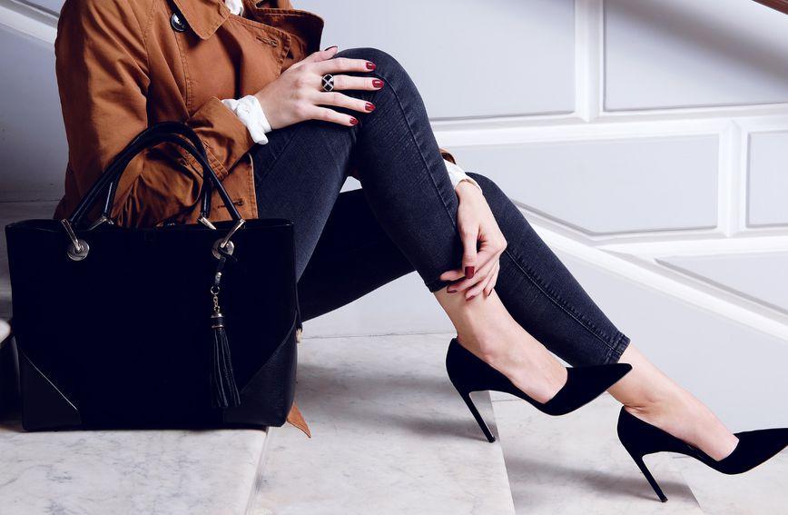 Crne se štikle lako uklope u svaku modnu kombinaciju