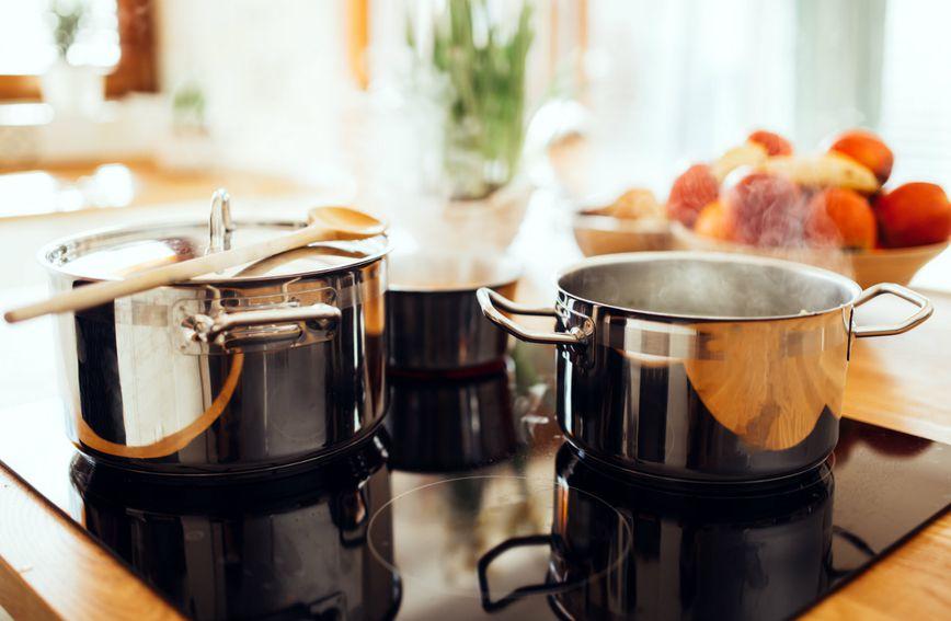 Poklapajte posude u kojima kuhate