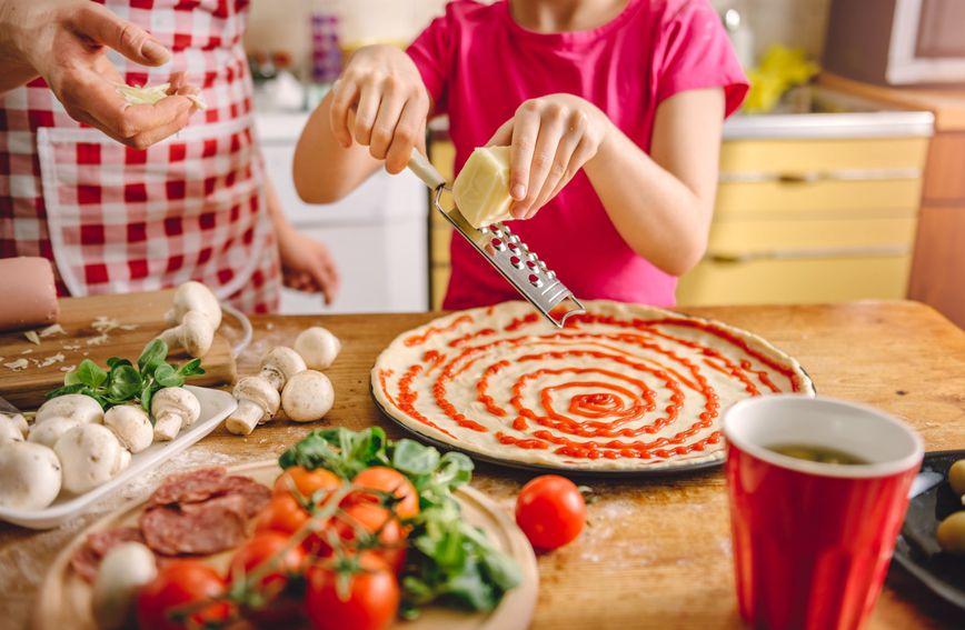 Organizirajte večer posvećenu pizzi