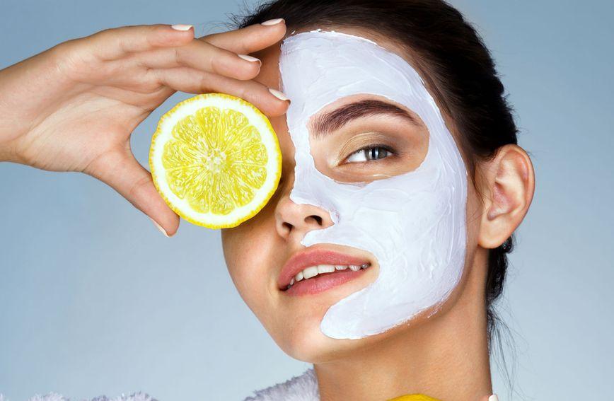 Masku napravite od bjelanjka i limunovog soka