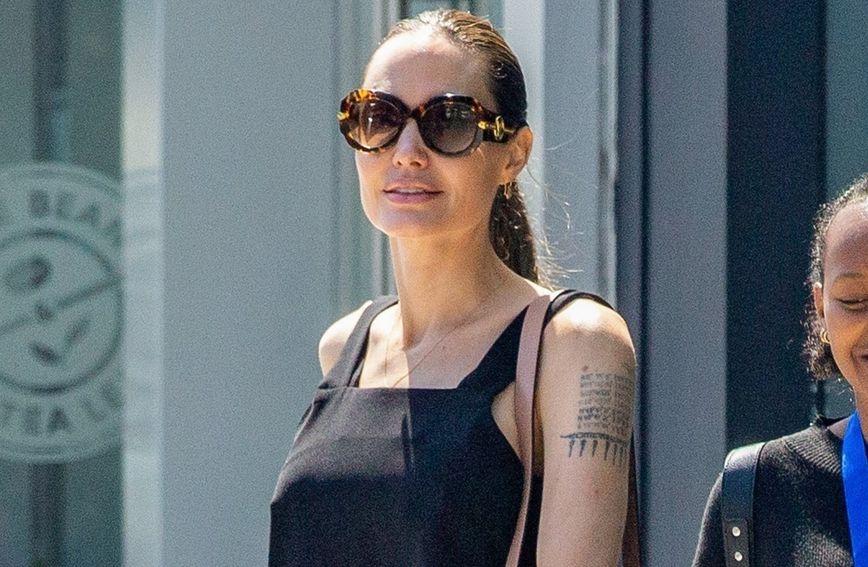 Angelina Jolie posjetila je izložbu u Los Angelesu