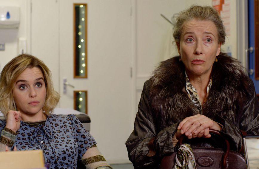 Emilia Clarke i Emma Thompson u sceni iz filma Last Christmas