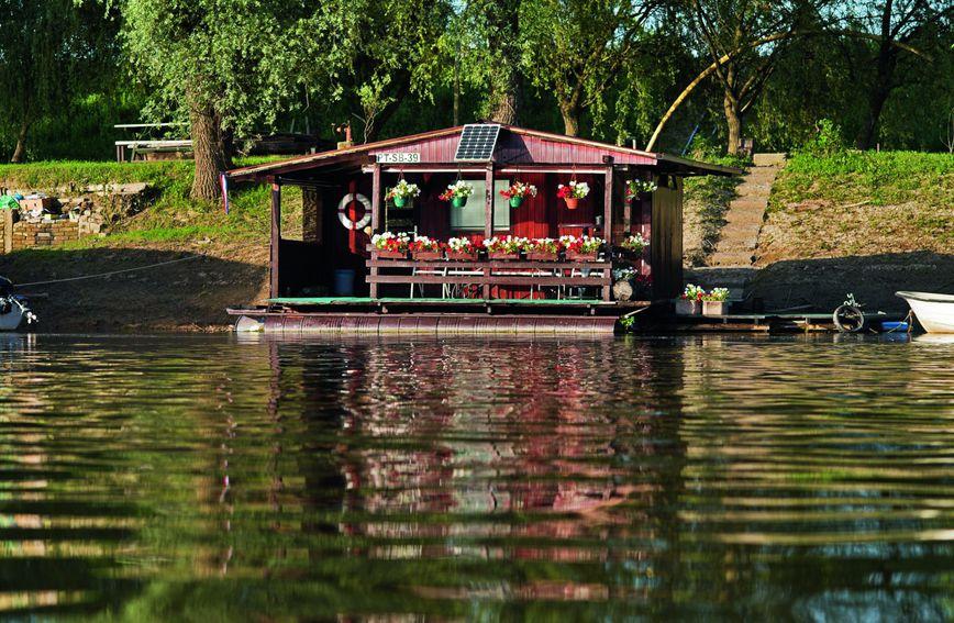 Kupalište Poloj u Slavonskom Brodu
