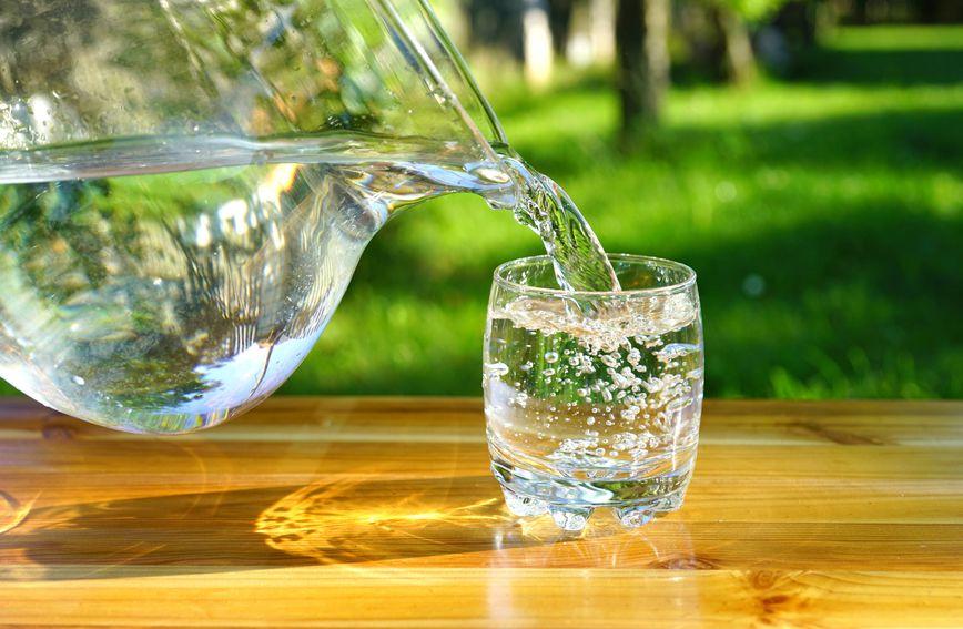 Najzdravije je piti vodu sobne temperature