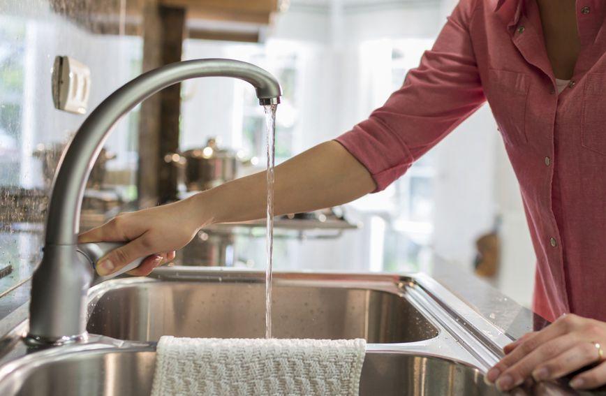 Ako su slavine neko vrijeme bile suhe, u njima se može nagomilati niz opasnih bakterija
