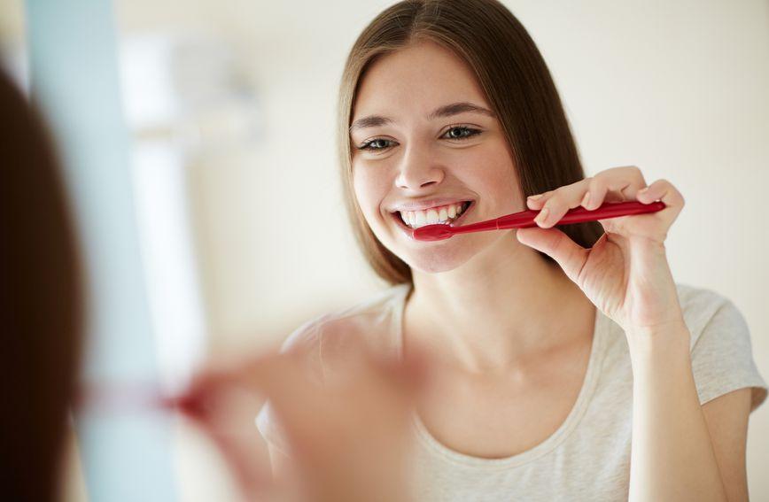 Četkica za zube (Ilustracija: Thinkstock)
