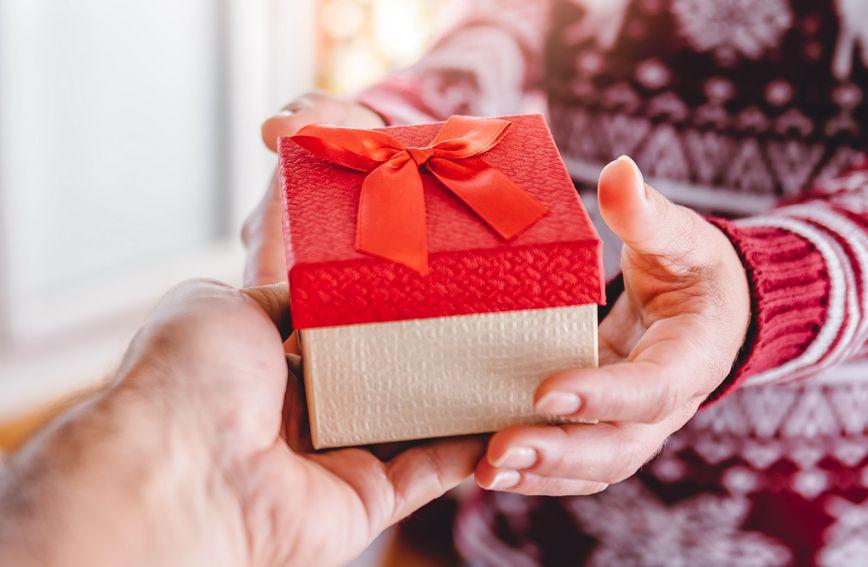 Kupovina božićnih poklona muškarcima često uzrokuje stres