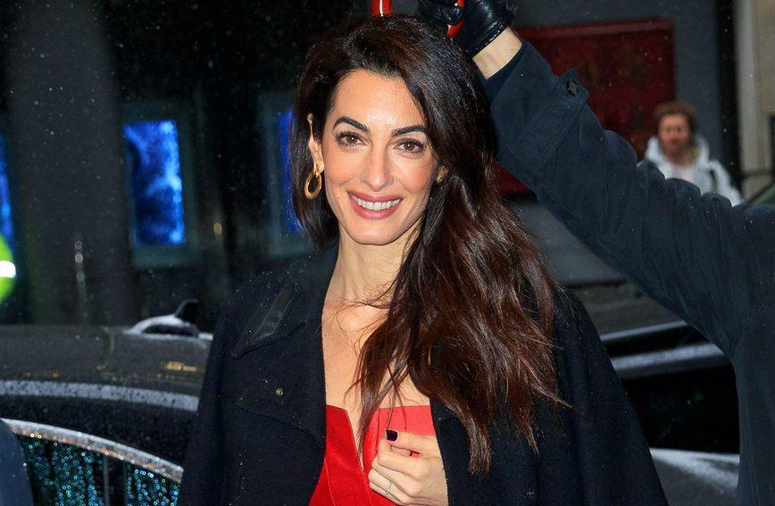 Amal Clooney bila je gošća na zabavi darivanja Meghan Markle