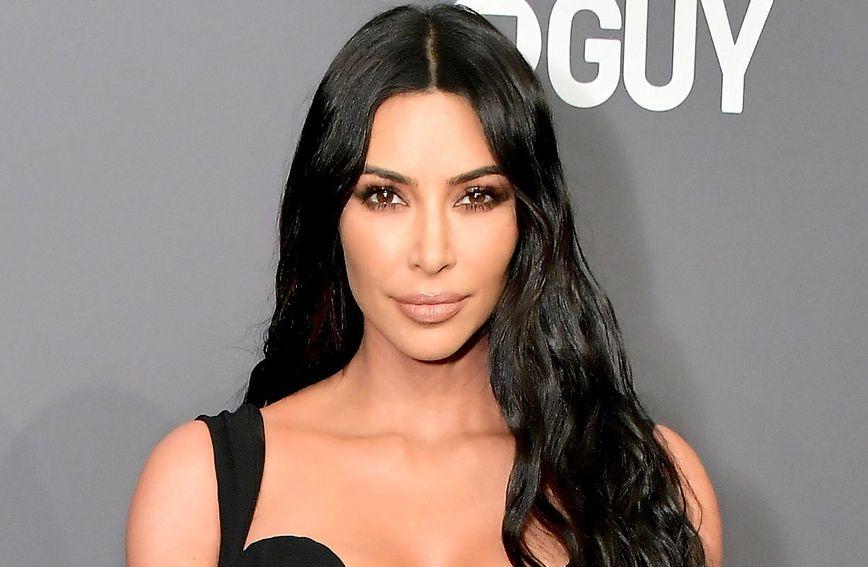 Kim Kardashian voli eksperimentirati s trendovima