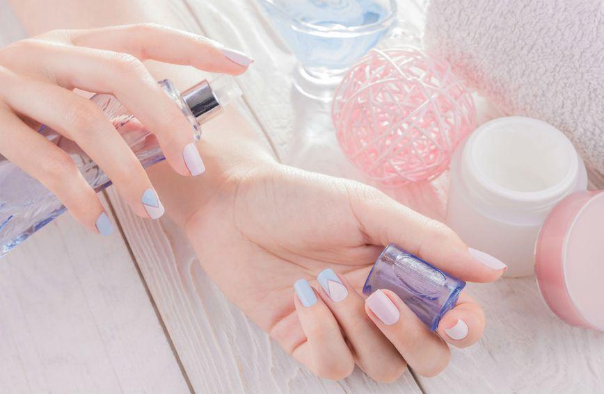 Miris parfema duže će trajati ako nakon njegova nanošenja ne trljate zglobove