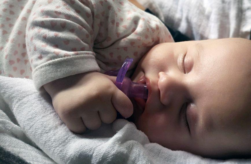Nemojte misliti kako nikad nećete spavati. Svaka beba može mirno spavati.