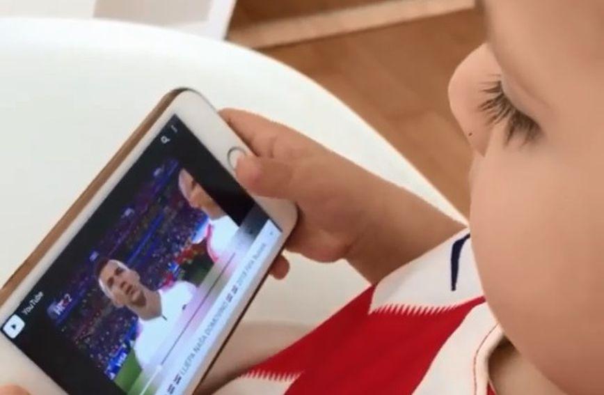 Dječak nabraja igrače hrvatske reprezentacije
