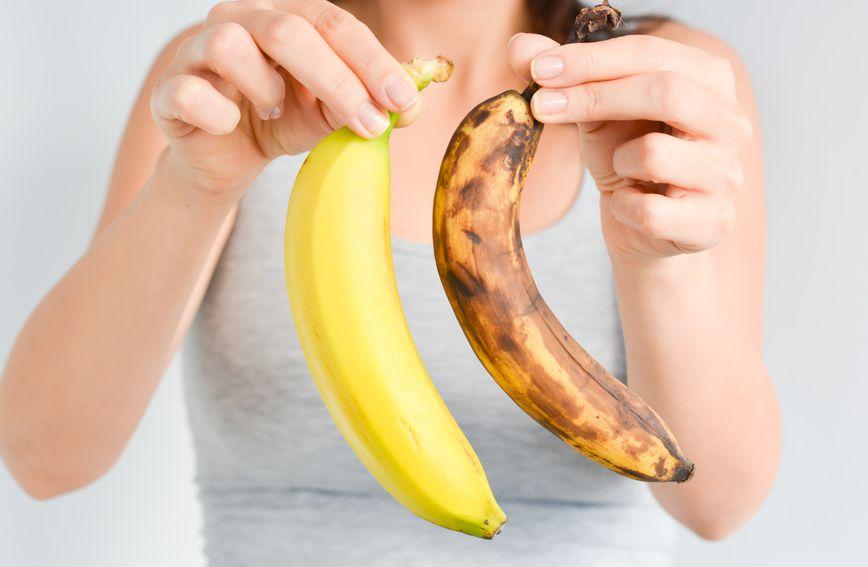 Kako banana postaje sve zrelija i počinje se osipati smeđim točkicama, u njoj se znatno povećava razina šećera