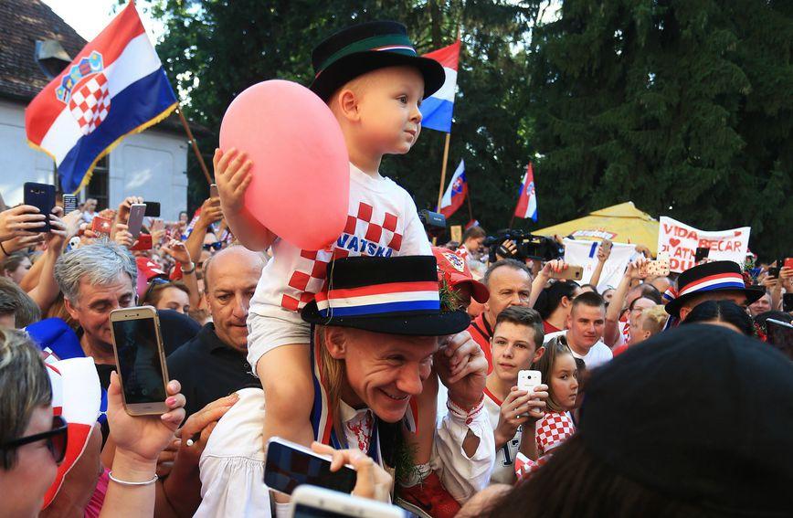 Domagoj i David Vida na dočeku u Donjem Miholjcu