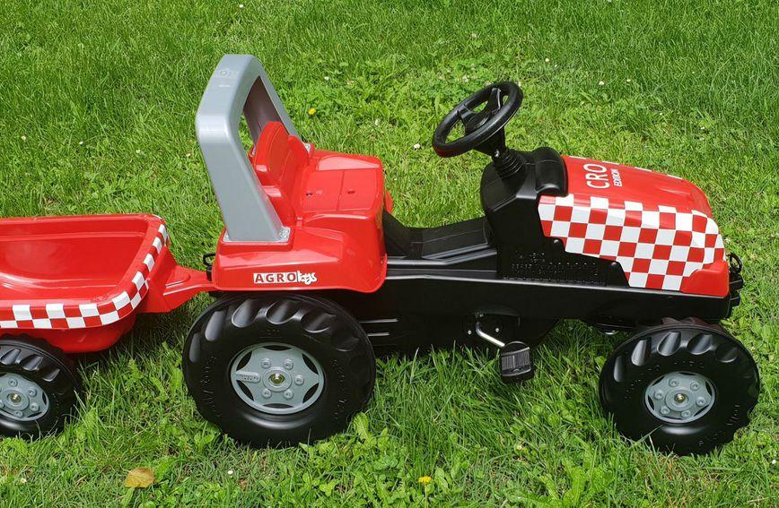 Dječji traktorčić s natpisom CRO EDITION