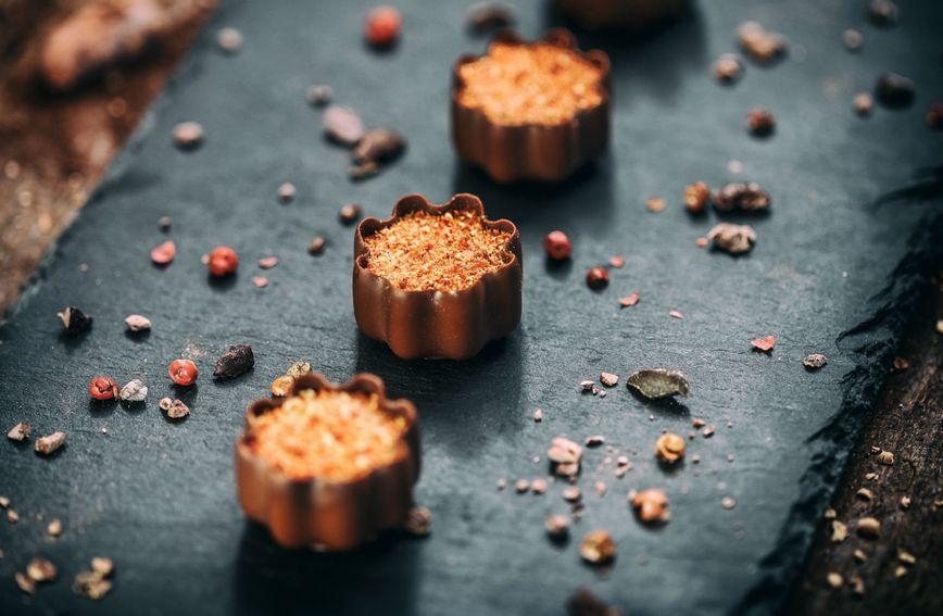 Čokoladne košarice možete ispuniti različitim punjenjima