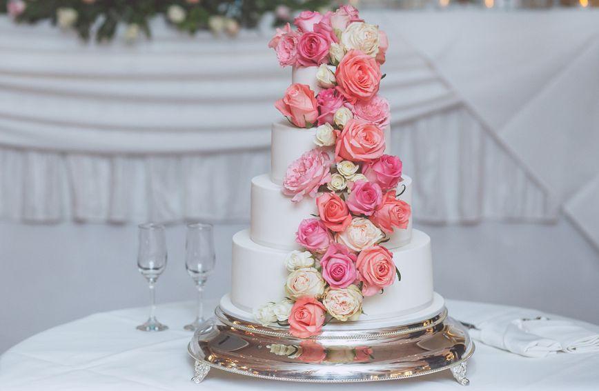 Izgled svadbene torte prilagodite temi svog vjenčanja
