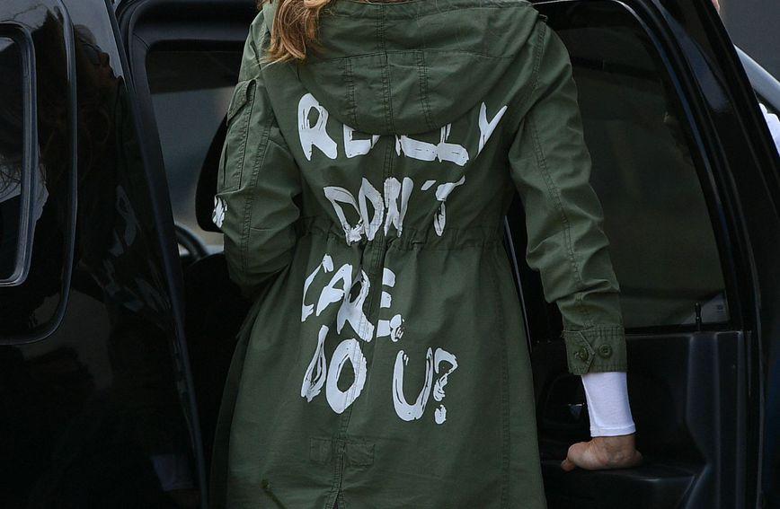Zarina jakna s porukom koja je podijelila javnost
