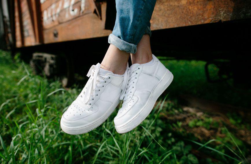 Jednostavne tenisice dobro dođu svakom ormariću s cipelama