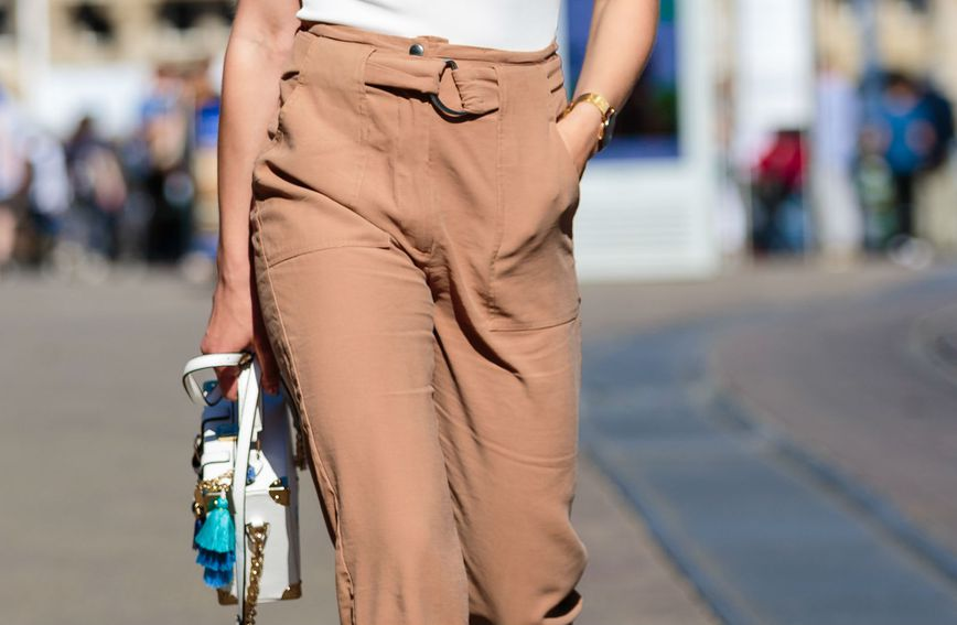 Bež hlače dio su mnogih ljetnih garderoba