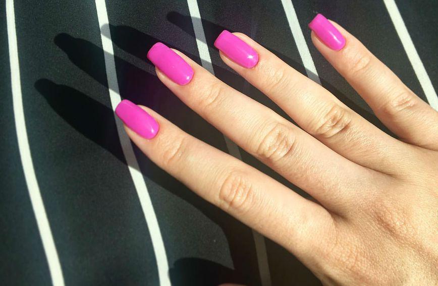 Ružičasti lakovi za nokte odličan su izbor na ljetne mjesece