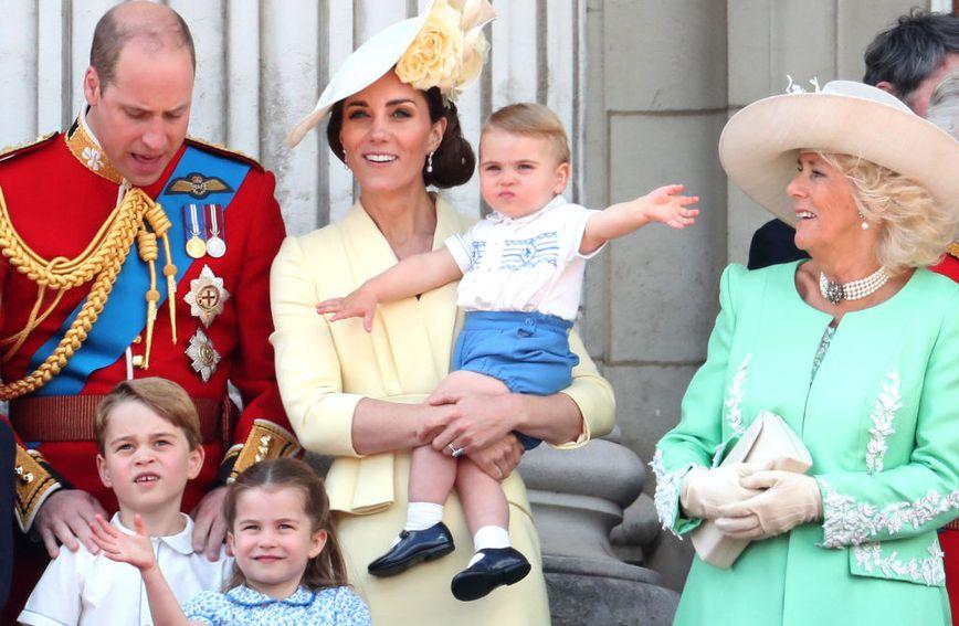 Princ Louis razmahao se čim je izašao na balkon