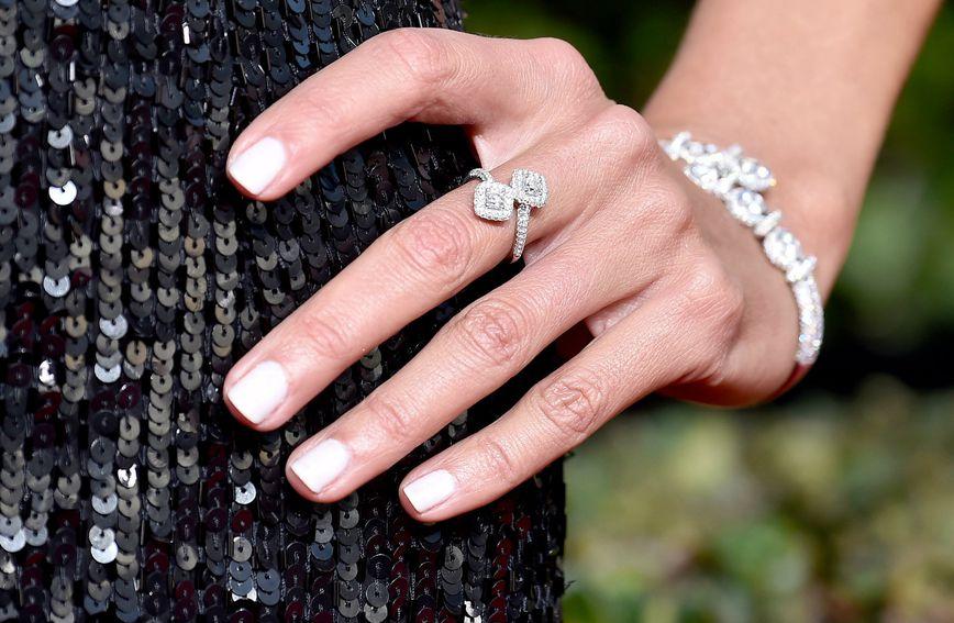 Bijeli lak za nokte