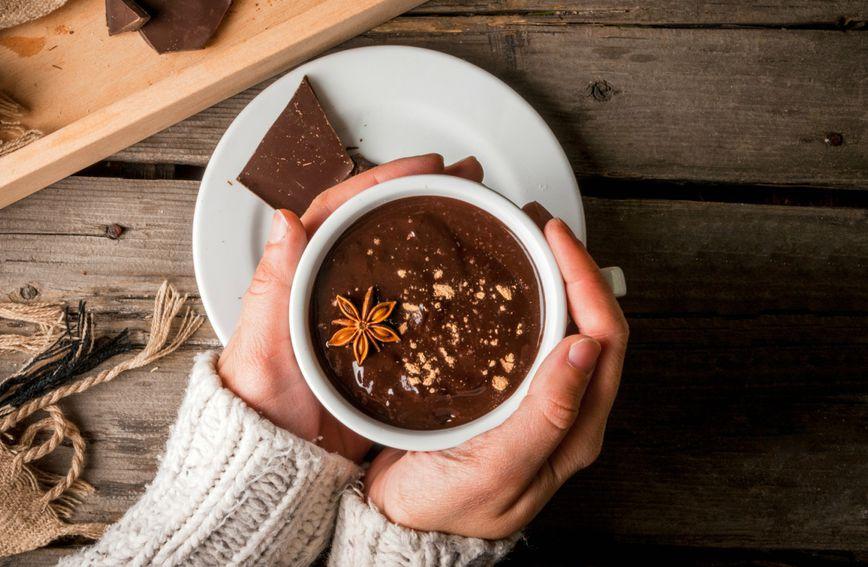 Topla čokolada sadrži više antioksidansa, a razlog tome je taj što se veći broj njih oslobađa pri visokoj temperaturi