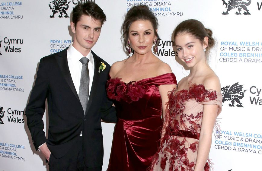 Catherine Zeta-Jones s kćeri Carys i sinom Dylanom