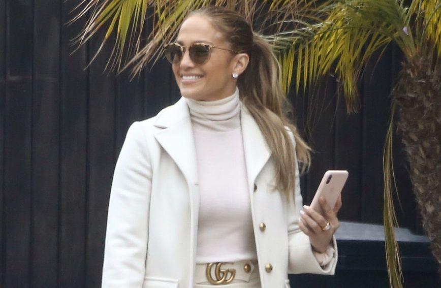 Jennifer Lopez obišla je svoju novu kuću u Malibuu