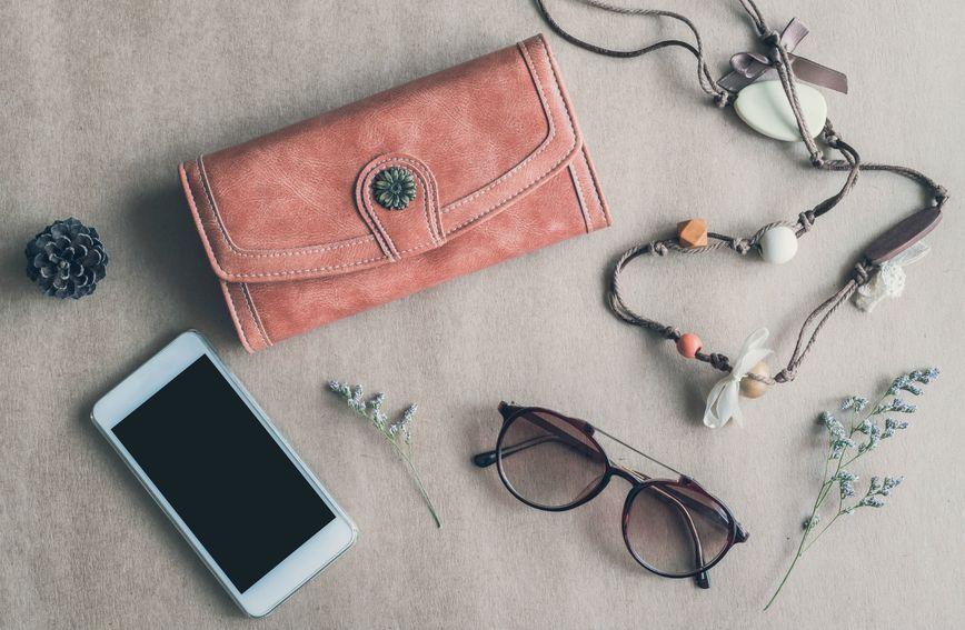Novčanik je modni dodatak koji se nalazi u svakoj torbi