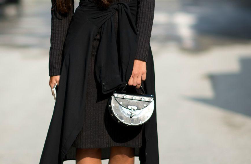 Vratite crnu boju odjeći s pomoću jednostavnog trika