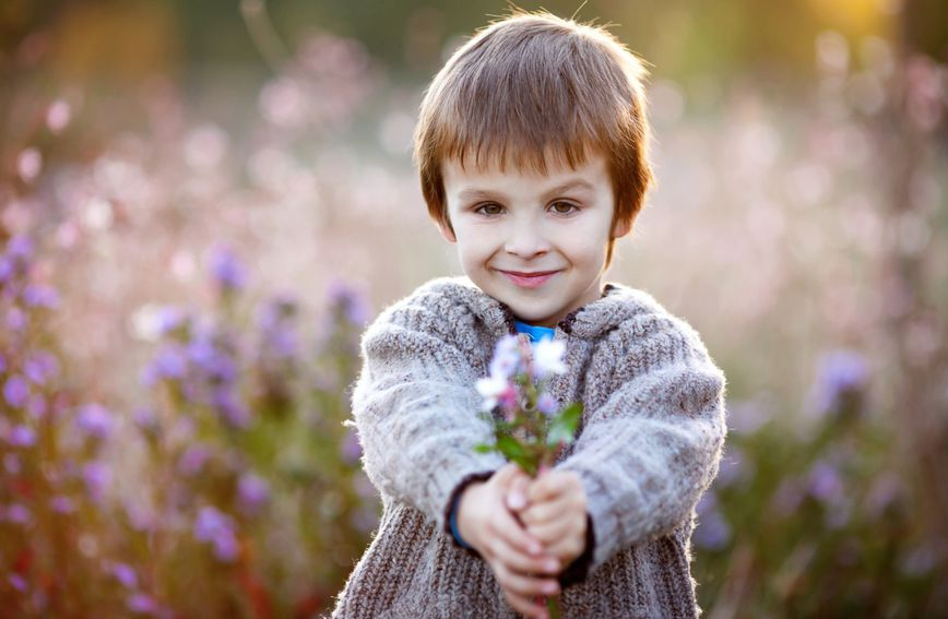 Dijete od malih nogu treba znati važnost pristojnosti